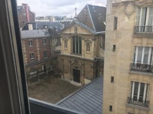 the-view-from-rue-vaugirard